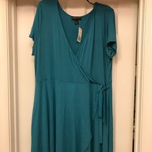 NEW LISTING BNWT Women's Teal Wrap Dress